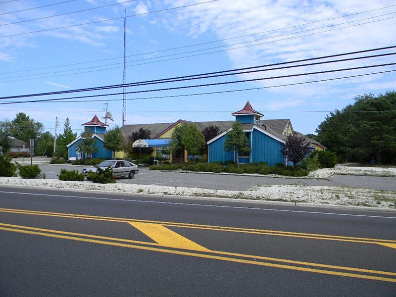 Former Shark Finn Inn - Lacey Twp